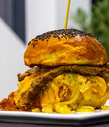 blues rock burger w restauracji Beef&Rock w Karpaczu